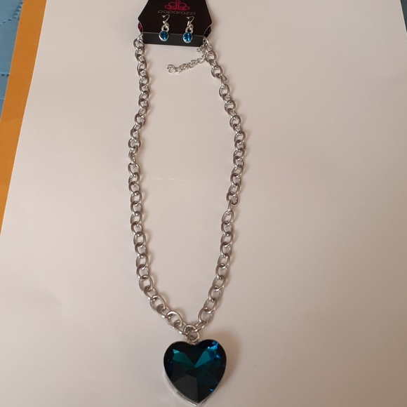 Paparazzi blue heart necklace with earrings